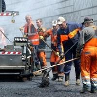 Омский мэр приказал заасфальтировать улицы до конца недели