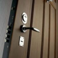 Преимущества дверей, изготовленных из стали