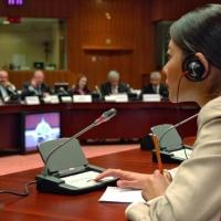 Где можно заказать устного переводчика в Казахстане?