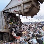 Омские чиновники мучаются с сотнями свалок мусора в частном секторе