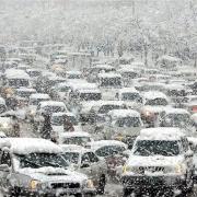 Снежный коллапс довел омские пробки до 10 баллов