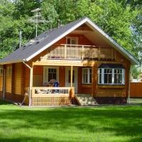 Дом из бруса: преимущества и особенности