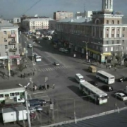 Омским водителям разрешили поворачивать налево