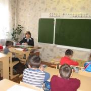 В Омской области родители и педагоги школы для глухих детей объявляют голодовку