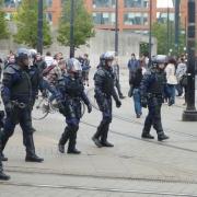 Полицейским разрешат безнаказанно стрелять по толпе