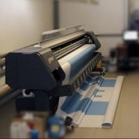 Широкоформатная печать для производства эффективной рекламной продукции