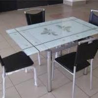 Какой кухонный стол выбрать: основные «За» и «Против»