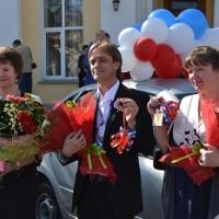 """Омская воспитательница детсада получила """"Ладу Гранту"""" от губернатора"""