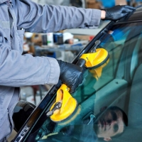 Как правильно выбрать качественное стекло на автомобиль?