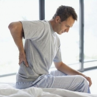 """Болит спина? Остеохондроз? – подбираем правильный матрас на сайте """"Пружинка"""""""