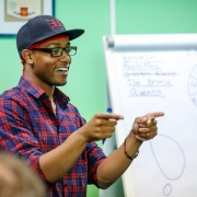Американский актёр едет в Омск учить английскому