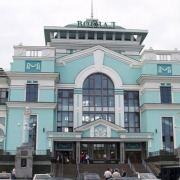 Нынешним летом 300 тысяч человек уехали из Омска на поезде