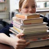 В Омске суд ищет деньги в школьных учебниках