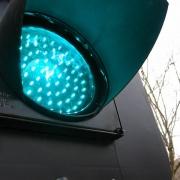 На Иртышской набережной поставили новый светофор