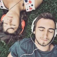 Сервисы трансляции музыки и их плюсы