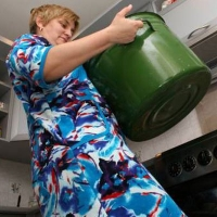 В Кировском и Советском округах отключат горячую воду до середины июня