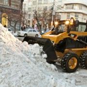 """Омские коммунальщики вывезли за праздники почти три тысячи """"кубов"""" мусора"""