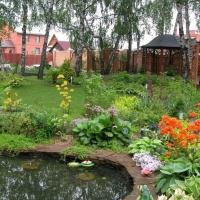 Как стильно благоустроить загородный участок?