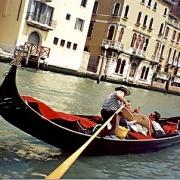 Италия: музей под открытым небом, стоящий на берегу моря!