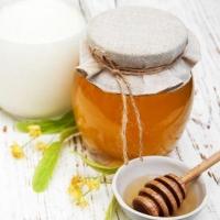 Рецепты природы: молоко с медом от кашля