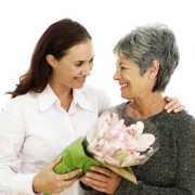 Подарок для мамы – проявите фантазию и щедрость