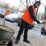 Омские дорожные службы встретили первый гололед