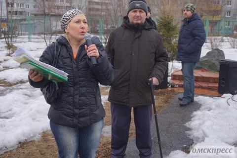 Омичка полетела к Путину, чтобы спасти сквер ветеранов на Конева