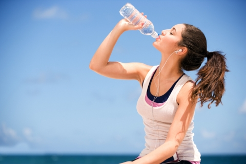 Почему здоровье человека напрямую зависит от того какую воду он пьет?
