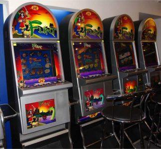 За организацию азартных игр осудили 11 омичей