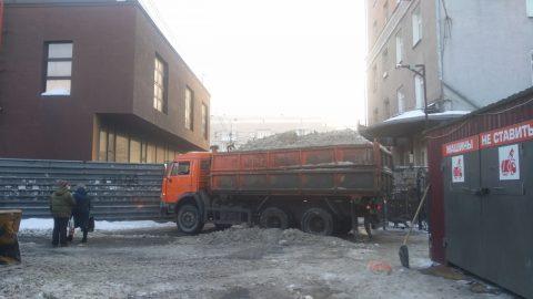 Омская мэрия выяснила причину плохой уборки дорог после снегопада