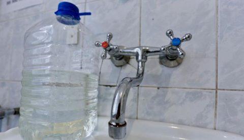 Микрорайон на Левом берегу Омска остался без воды