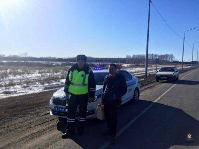 По дороге к жене в роддом, у водителя ВАЗа кончился бензин