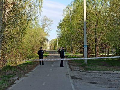 """Вход в парк """"Зелёный остров"""" охраняют сотрудники полиции"""