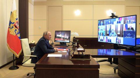 Путин официально продлил режим самоизоляции до 12 мая