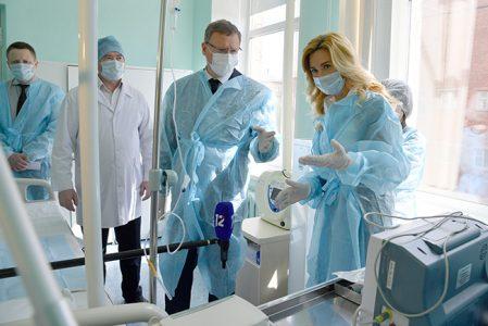 В омском роддоме №4 находятся 11 женщин с подозрением на коронавирус