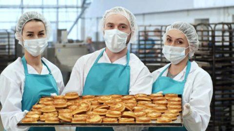 Гипермаркет «Ашан» будет кормить омских медиков бесплатно