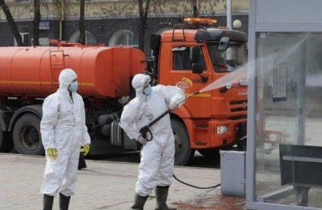 В Омске продолжают проводить глобальную дезинфекцию хлором