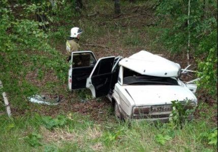 В Омской области «шестерка» опрокинулась в кювет: погиб пассажир