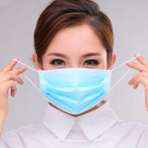 В Омске почти в два раза подешевели медицинские маски