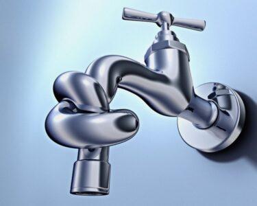 В трёх округах Омска отключат холодную воду