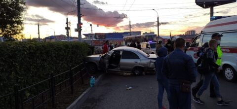 В Омске произошло ДТП, в котором погиб 26-летний водитель
