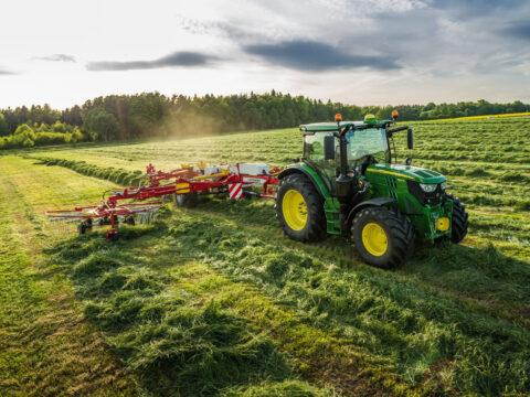 Актуальная John Deere сельхозтехника - лучший помощник в любой работе фермера