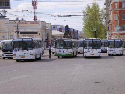 Автобусы и маршрутки в Омске остановят движение 22 июня