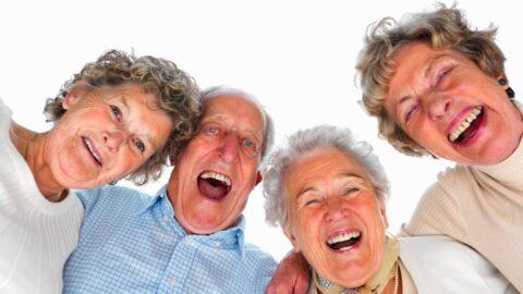 Связь между здоровьем в старости  и смехом выявили японские ученые