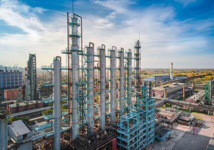 Суд требует от «Омского каучука» прекратить загрязнение воздуха