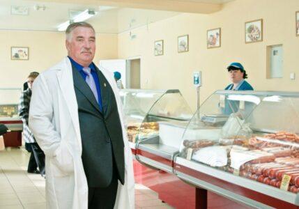 Банк «Интеза» забрал за долги омский коттедж основателя «Куриной республики»