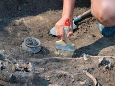 В Омске обнаружили наконечник стрелы возрастом 12 тыс. лет