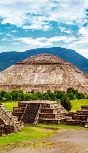 В Мексике под пирамидой была обнаружена пещера естественного происхождения