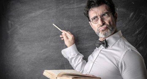 Уволенный за двойку омский учитель выиграл иск против школы