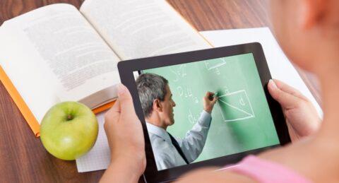 Омские студенты будут учиться онлайн до 2021 года
